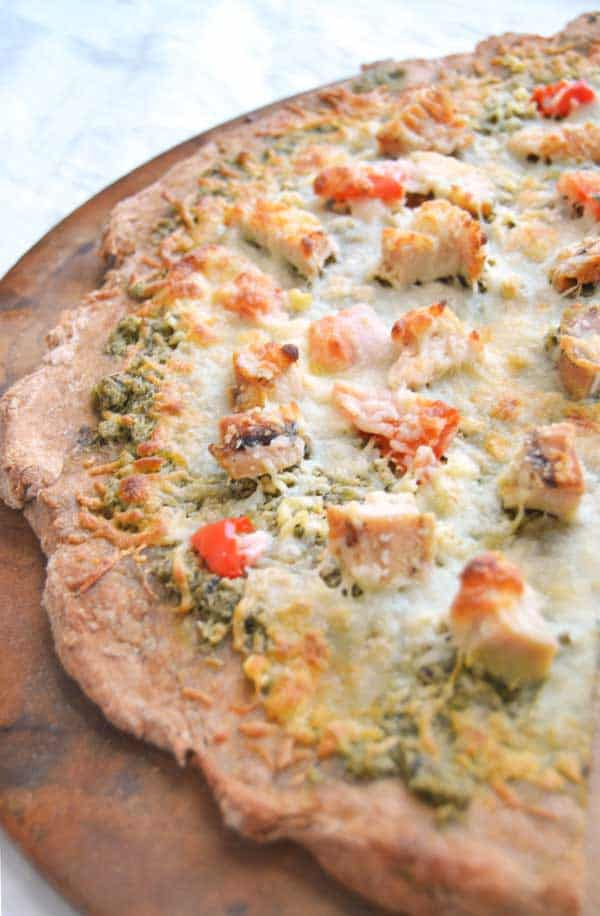 Chicken-Pesto-Pizza-with-garlic-and-roasted-red-pepper