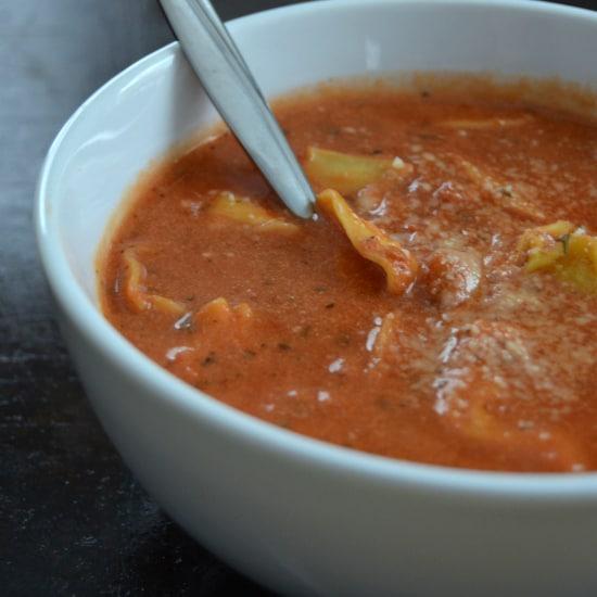 Healthy Tomato Tortellini Soup