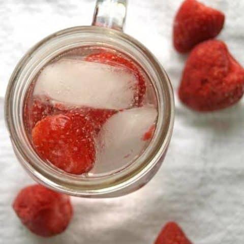 DIY Sparkling Water Recipe - Enjoy this delicious strawberry lemon sparkling water recipe you can make at home!