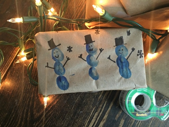 finger paint snowmen