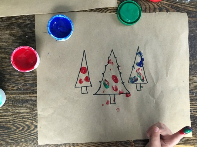 Christmas preschool craft with Christmas trees and finer painting