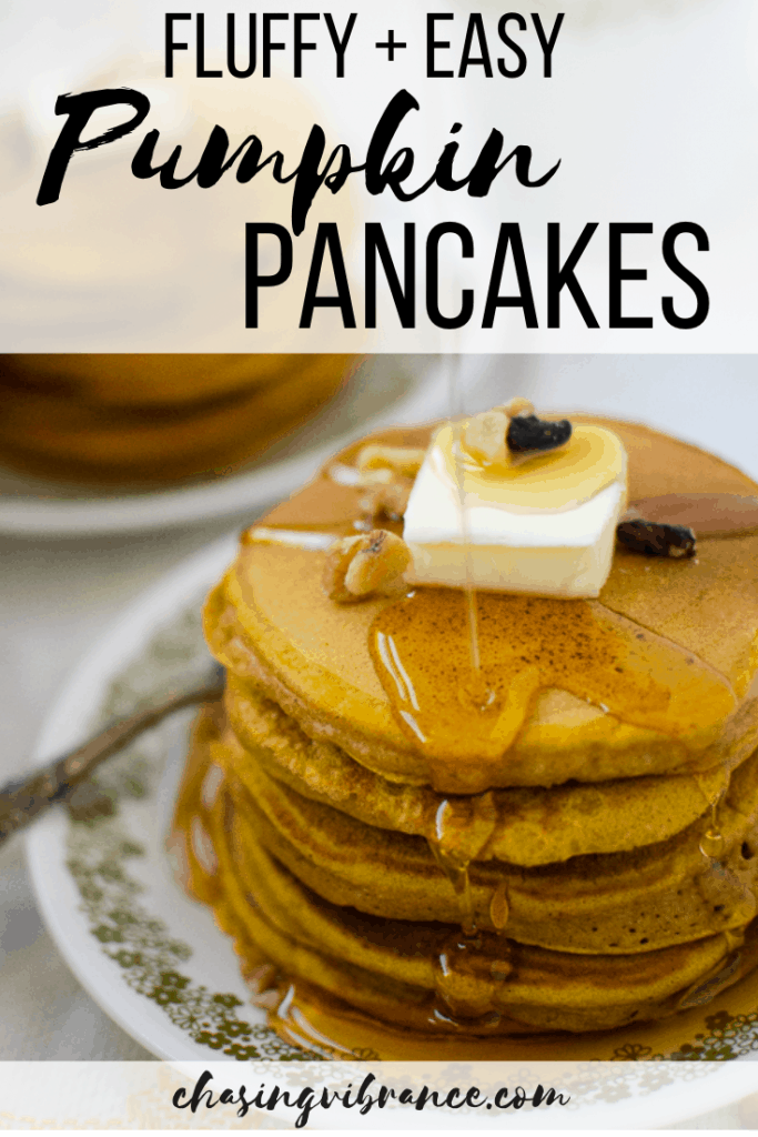fluffy and easy pancakes with pumpkin spice